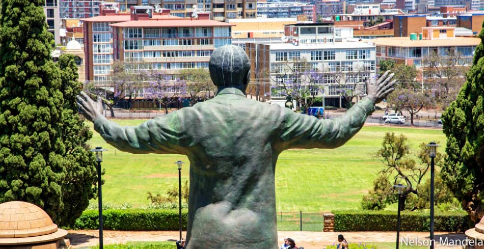 9m tall Nelson Mandela looking over the city